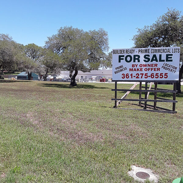 Pebble Ridge, Cuero, Texas –  Commercial Property For Sale By Onwer